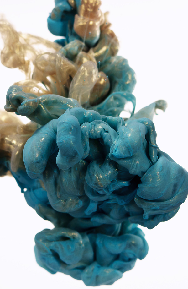 Weekend Features Underwater Metallic Ink Photographs By Alberto - New incredible underwater ink photographs alberto seveso